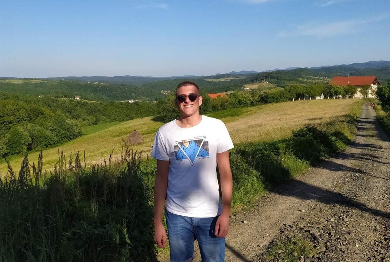 Smokinya_TBH-Project-meet-new-volunteer-Vladan_001
